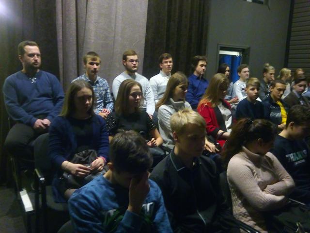коллективный выход групп первого курса в Театр юного зрителя